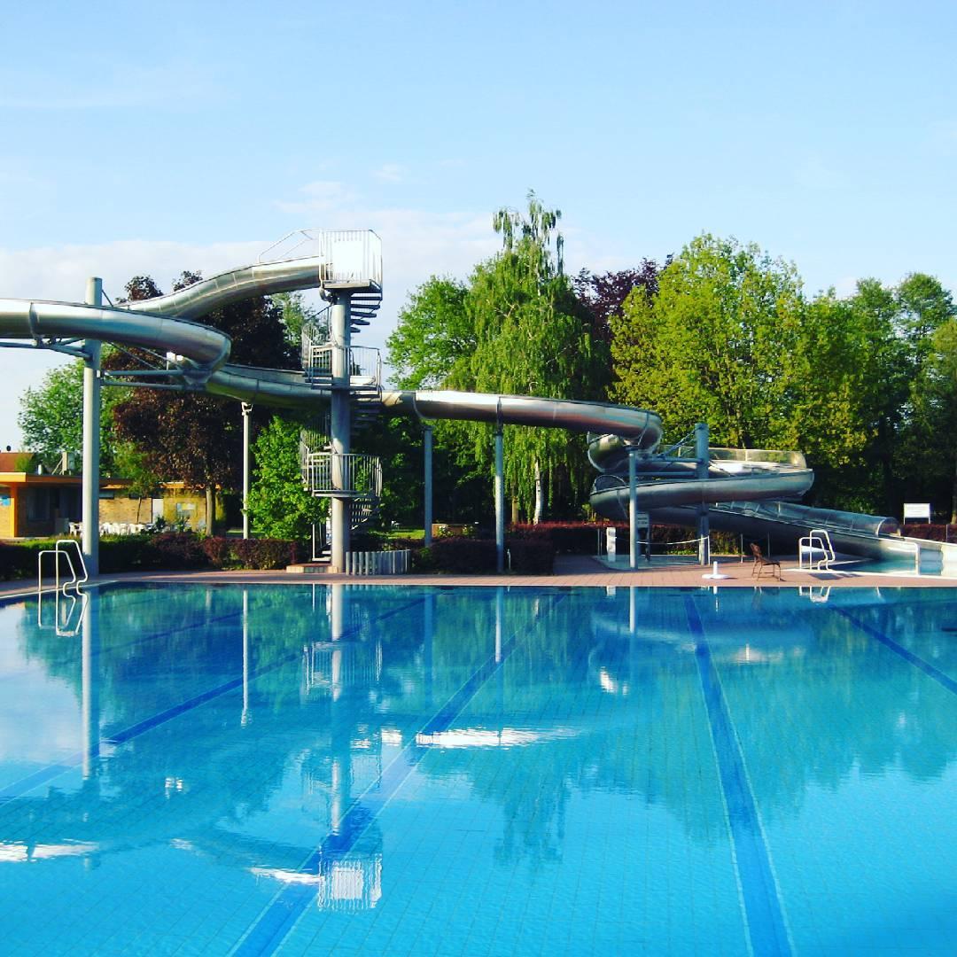 Bei diesem wetter gibt es nichts besseres als das freibad for Seligenstadt schwimmbad