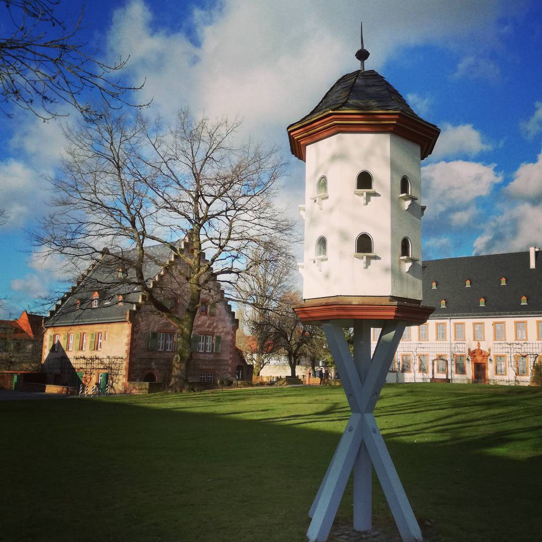 Im Klostergarten finden sich immer wieder schöne Fotomotive, beispielsweise dieser Taubenschlag