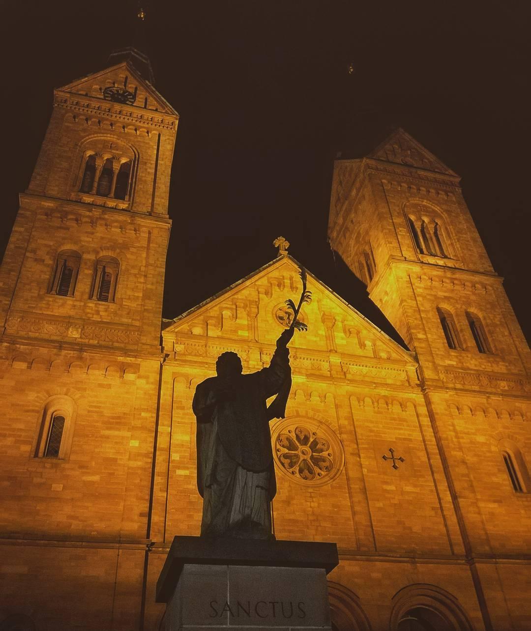 Die Basilika bei Nacht