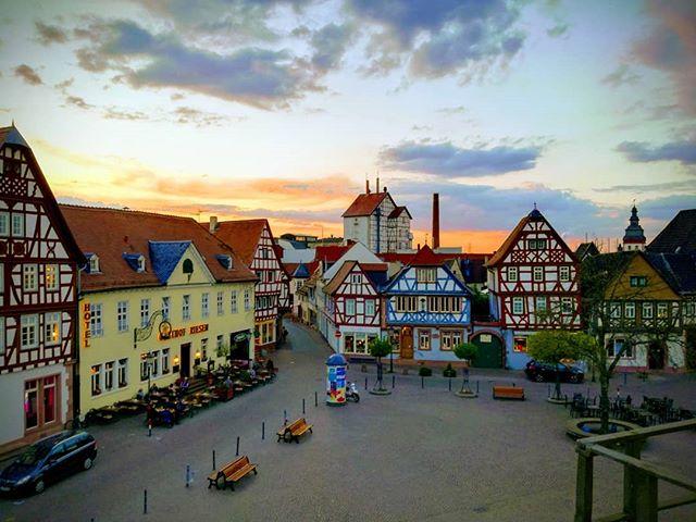 Sonnenuntergang über dem Marktplatz, fotografiert gestern aus dem Rathaus