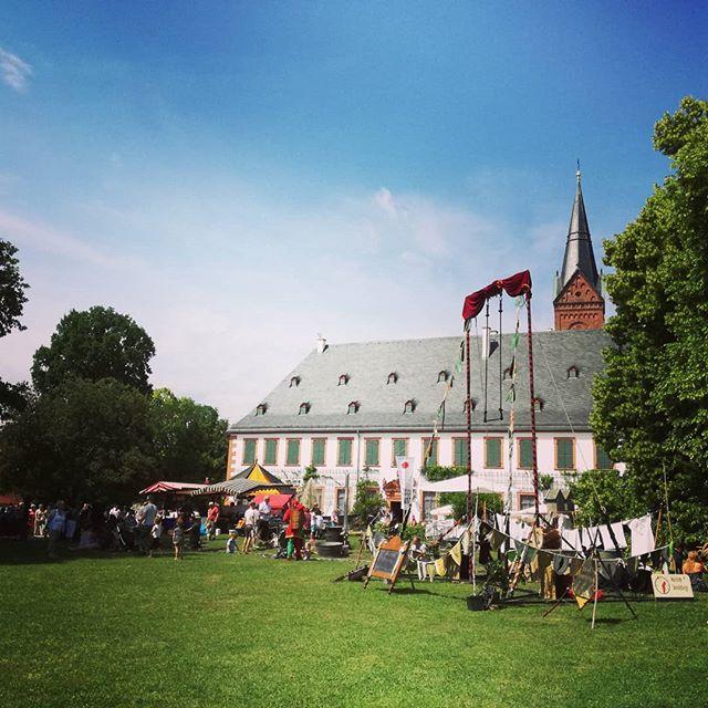 Auch am zweiten Tag bot der Kunst- und Handwerkermarkt vielen Besuchern ein schönes Ambiente für einen entspannten Sonntag. Ward ihr auch da?