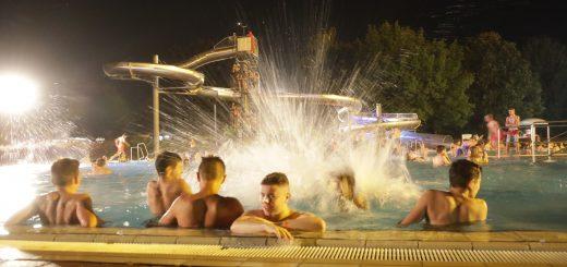 DLRG Seligenstadt Nachtschwimmen Freibad