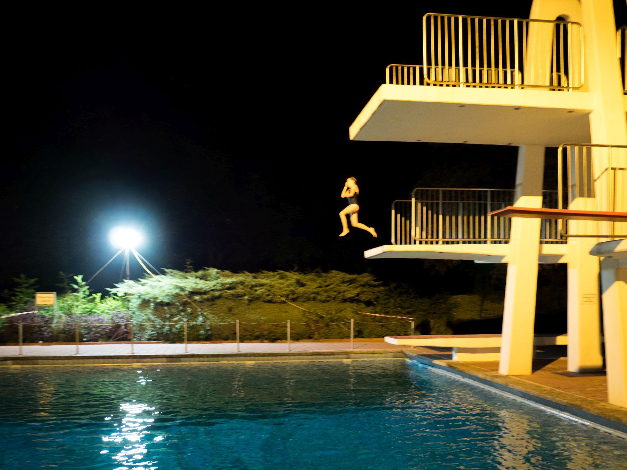 Schwimmbad bervoll 900 g ste beim dlrg nachtschwimmen for Seligenstadt schwimmbad
