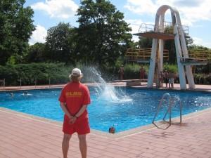 DLRG im Schwimmbad