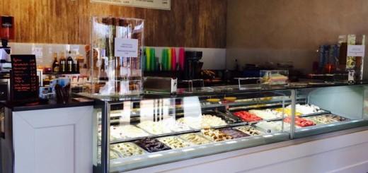 Eis Bar Roma hat geöffnet